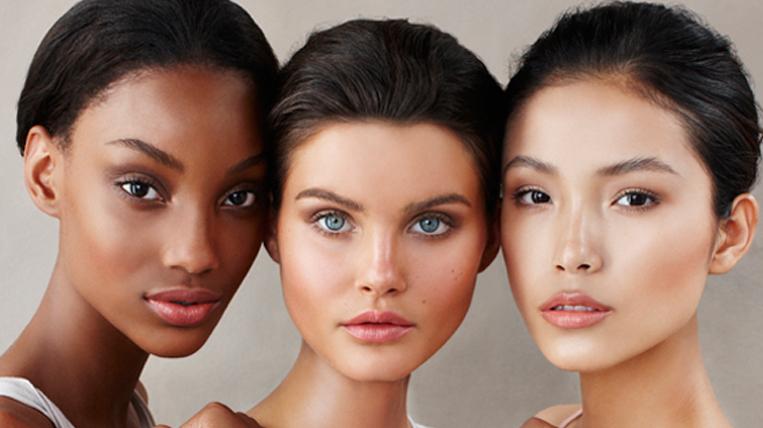 becca-cosmetics-radiant-skin-satin-finish-foundation-models_1539_1