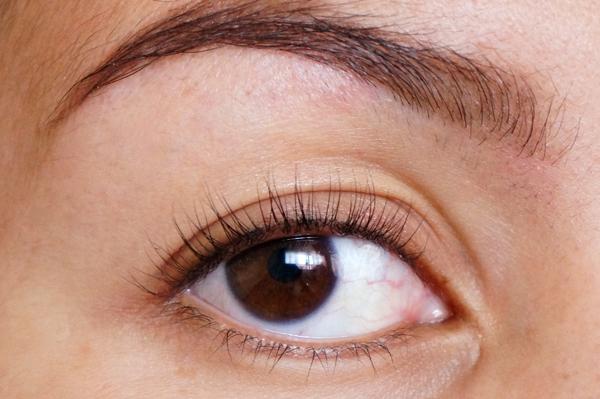catrice liquid metal eyeshadow eyelook_01