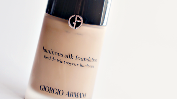 armani luminous silk foundation_02