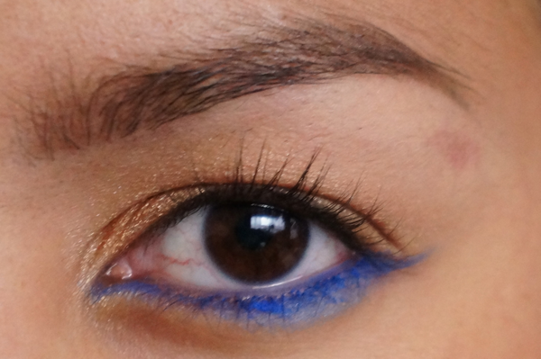 H&M electric blue eye pencil_06