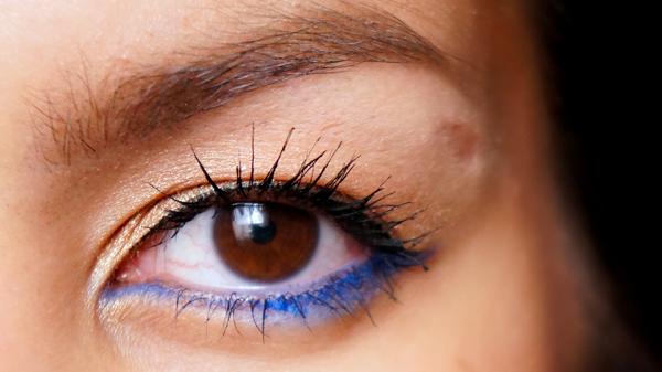 H&M electric blue eye pencil_12