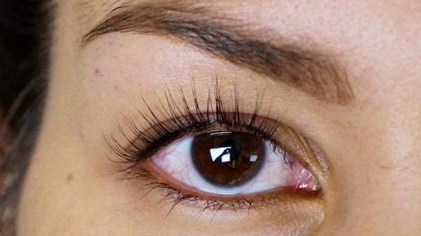 chocolate brown eyelook_01