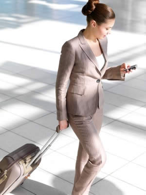 business-woman-traveling