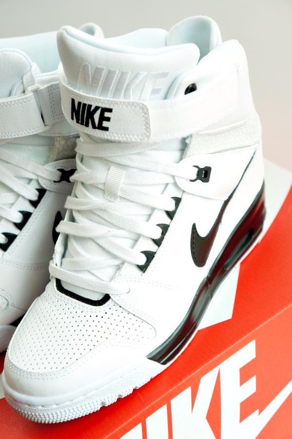09ee7420152 New in: Nike & Steve Madden ⋆ Beautylab.nl