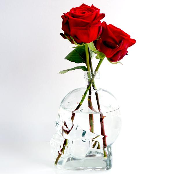 glass skull vase-4
