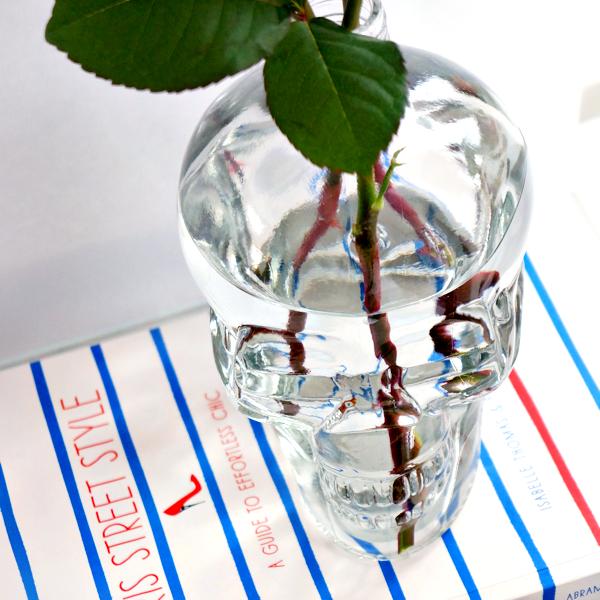 glass skull vase-5