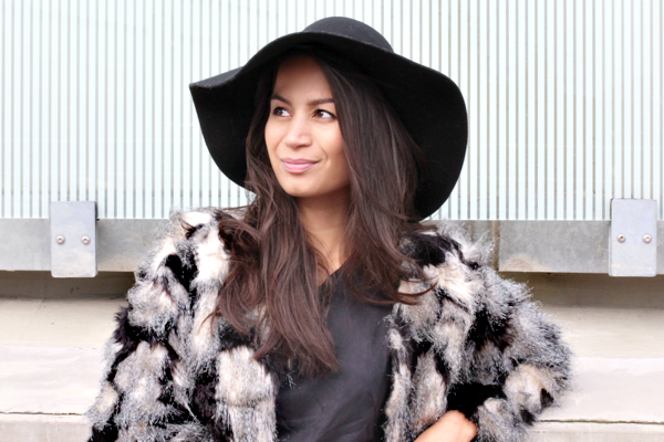 floppy hat & faux fur_05