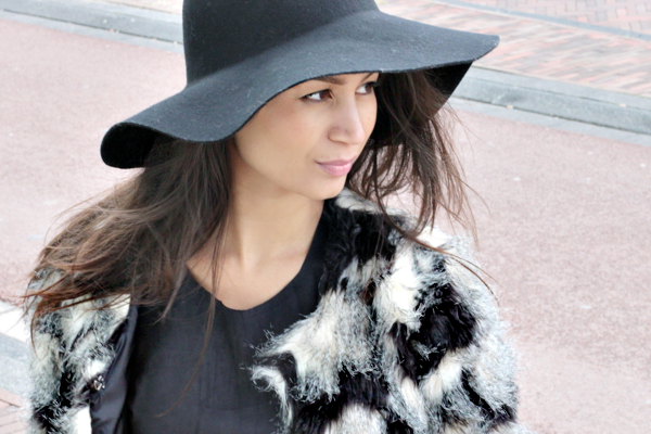 floppy hat & faux fur_09