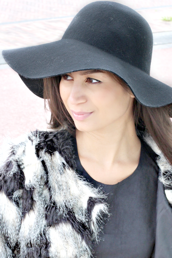 floppy hat & faux fur_10