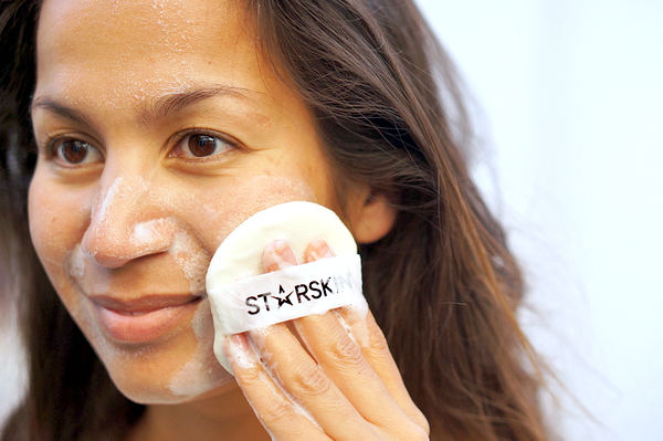 Starskin Glowstar Soft Peeling Perfection Puff - 8