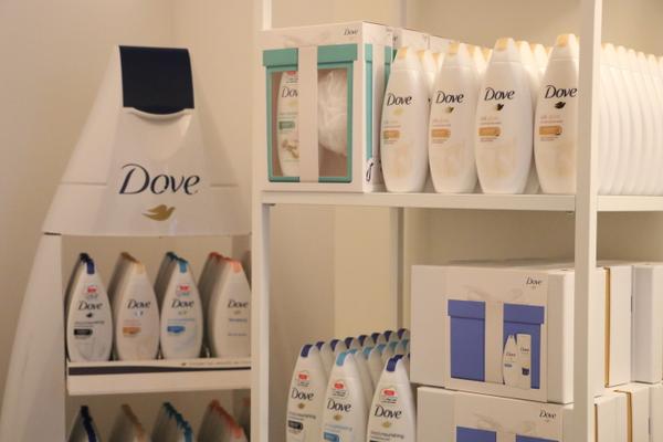 dove pop-up store - 15