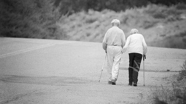 gty_elderly_couple_walking_jt_120715_wmain
