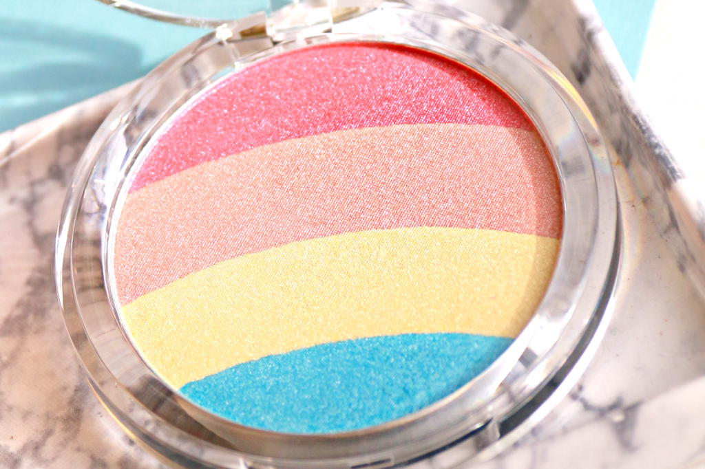 essence Prismatic Rainbow highlighter review_ - 4