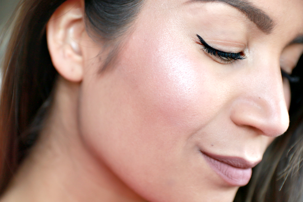essence Prismatic Rainbow highlighter review_ - 9