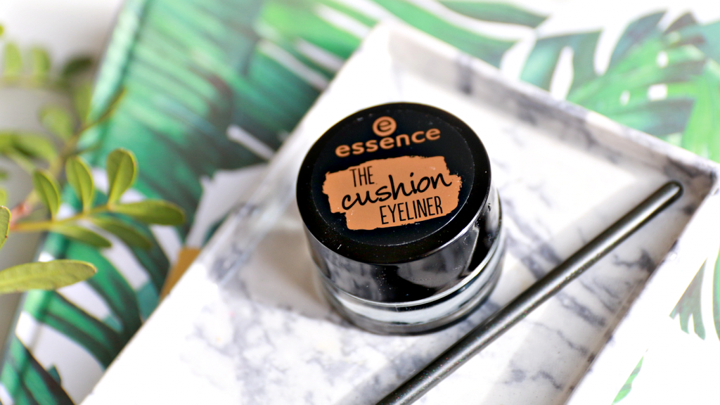 essence The Cushion Eyeliner review_ - 2