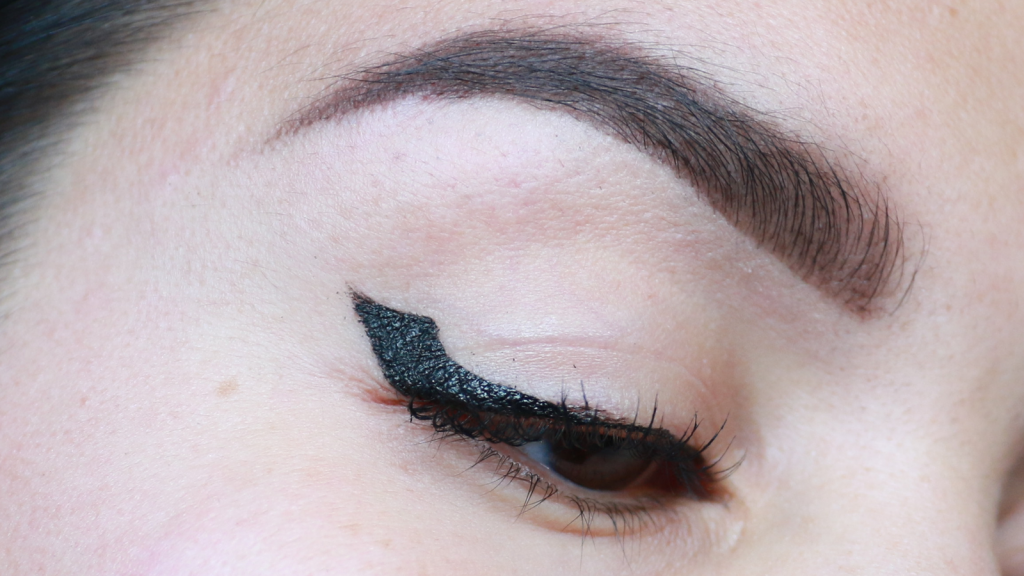 eyeliner tutorial hooded eyes_ - 1 (1)