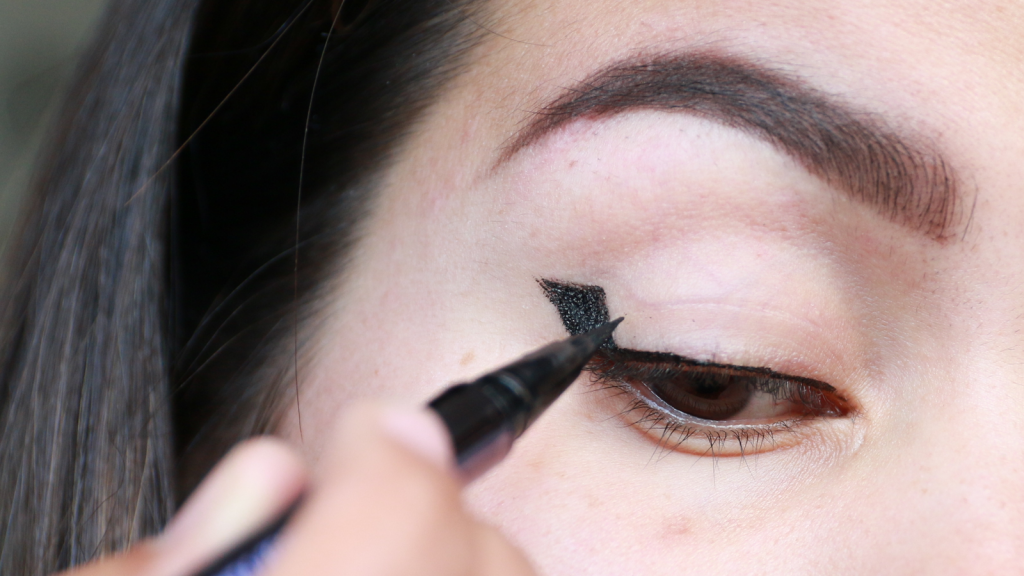 eyeliner tutorial hooded eyes_ - 12
