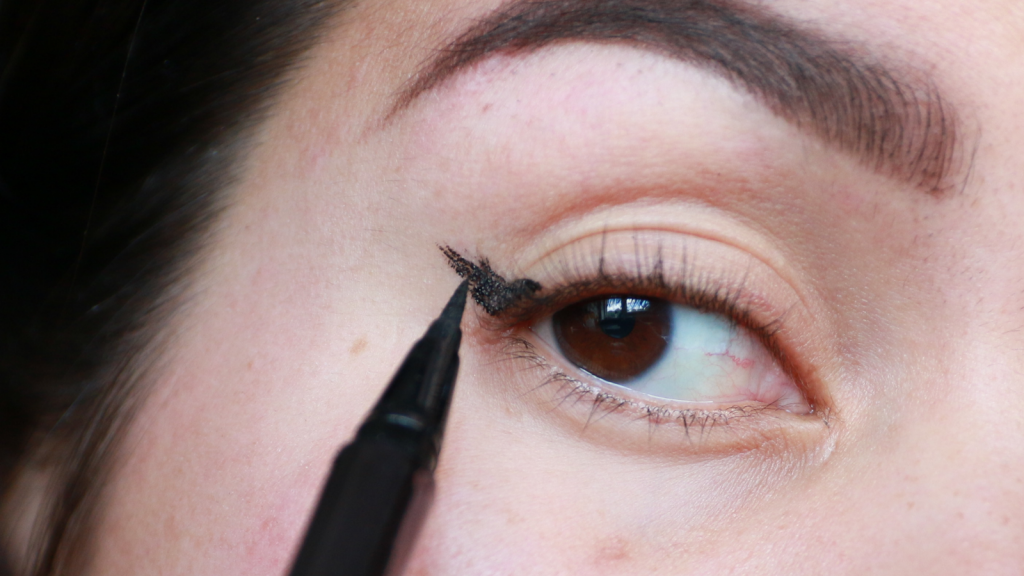 eyeliner tutorial hooded eyes_ - 6